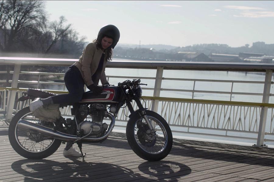 blog-nouveau-monde-sigvaris-video-branding-screencap-moto-900x600-b